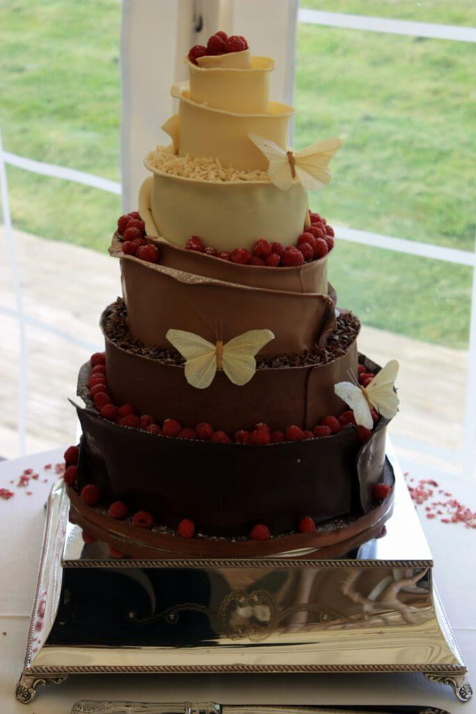 award winning white wedding cake recipe award winning wedding cakes in the midlands 10972