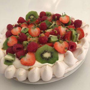 Fruit pavlova