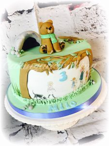 We're Going On A Bear Hunt Cake